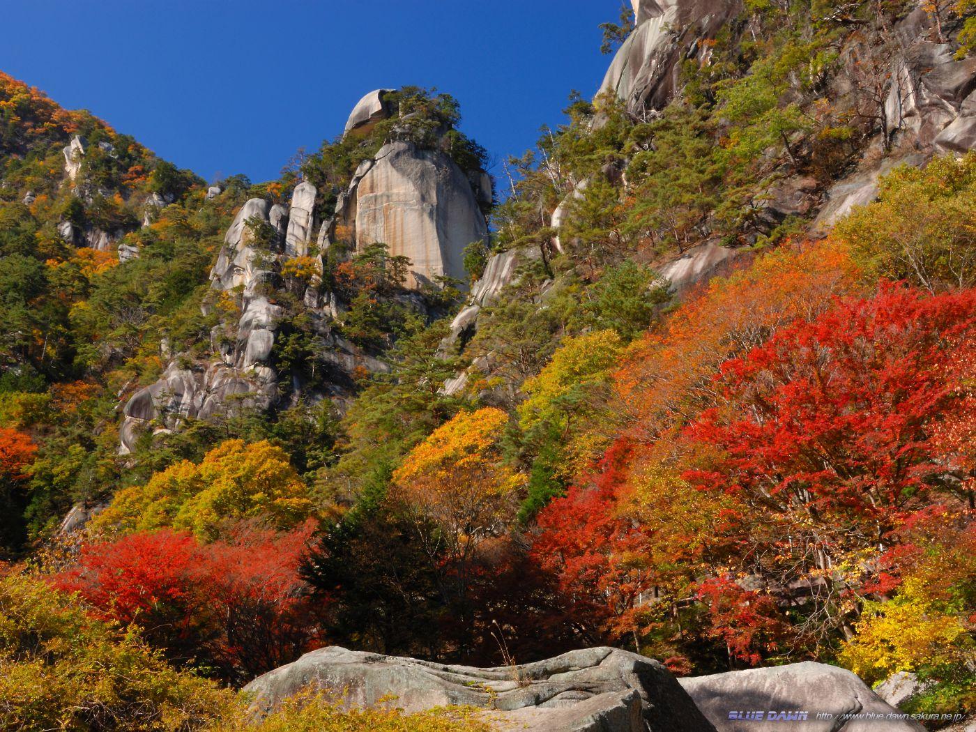 【職場・社員旅行 モデルコース】紅葉の昇仙峡散策と出来立ての高原スイーツを堪能できる2日間