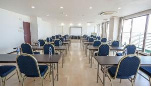 サヤンテラス 会議室