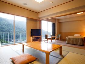 【湯本富士屋ホテル】洋室と8畳の和室を兼ね備えた和洋室